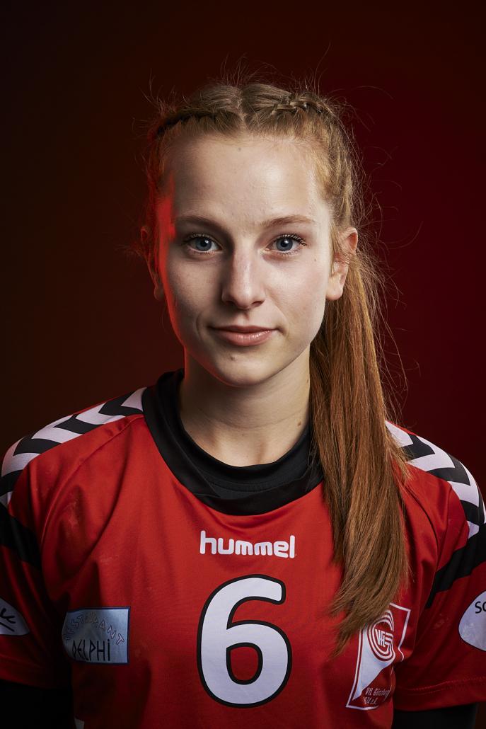 #6 Antonia Leis